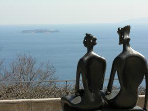 海を見つめる二人